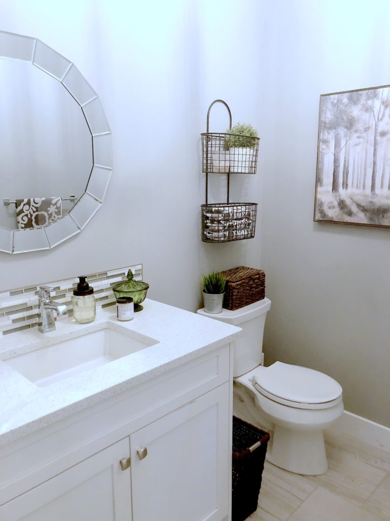 Mirrors For Bathrooms With Storage 300×198.jpg
